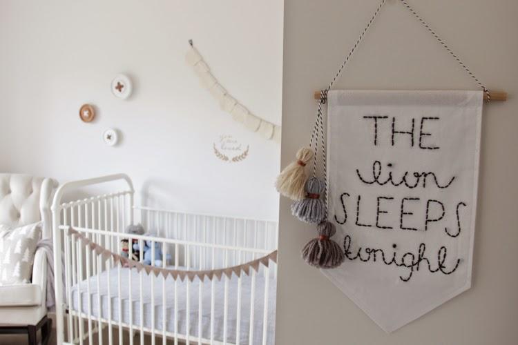 un dormitorio infantil noretnic